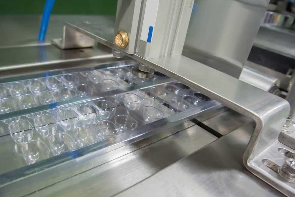 Blister packaging assembly line